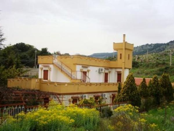 Villa in Vendita a Altofonte Periferia: 5 locali, 300 mq