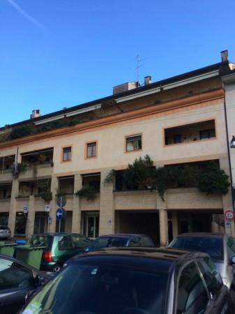 Ufficio / Studio in affitto a Muggiò, 5 locali, prezzo € 1.000 | Cambio Casa.it