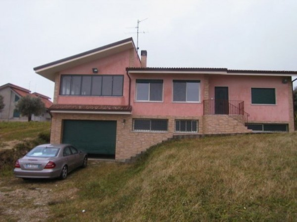 Villa in Vendita a Marina di Gioiosa Ionica