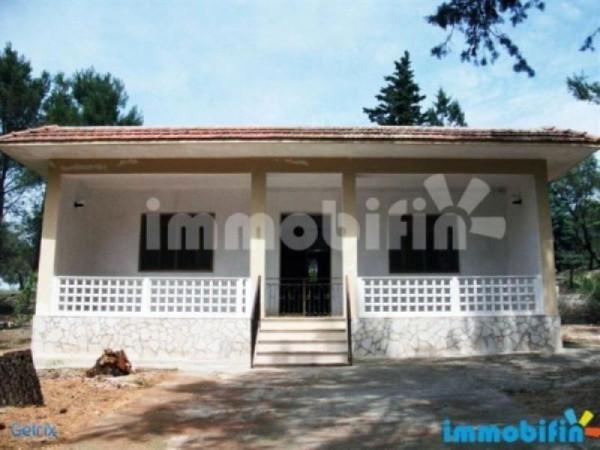 Villa in vendita a Oria, 4 locali, prezzo € 100.000 | Cambio Casa.it