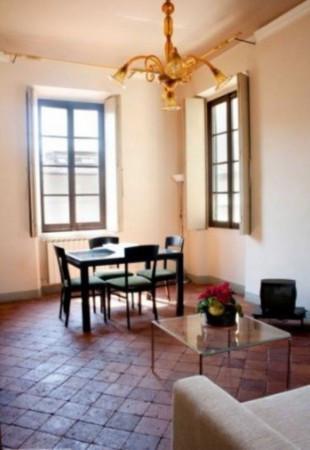 Bilocale Lucca Via Delle Trombe 1