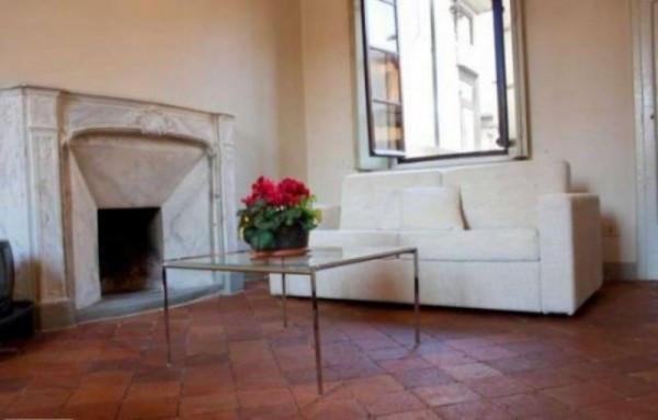 Bilocale Lucca Via Delle Trombe 3