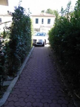 Bilocale Lucca Via Matteo Civitali 8