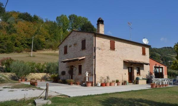 Rustico / Casale in vendita a Petritoli, 6 locali, prezzo € 360.000 | Cambio Casa.it