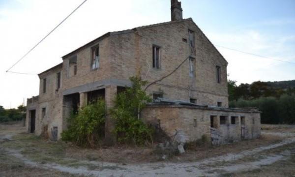 Rustico / Casale in vendita a Moresco, 6 locali, prezzo € 115.000 | Cambio Casa.it