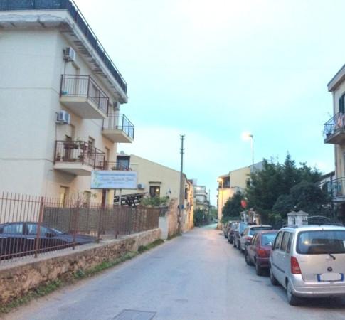 Magazzino in Vendita a Palermo Semicentro: 3 locali, 250 mq