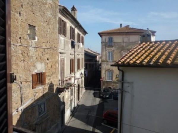 Appartamento in vendita a Nepi, 4 locali, prezzo € 65.000 | Cambio Casa.it