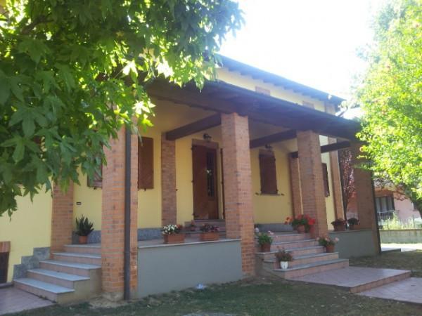 Villa in vendita a Orio Litta, 6 locali, prezzo € 250.000 | Cambio Casa.it