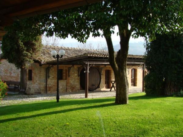 Villa in vendita a Treia, 6 locali, Trattative riservate | Cambio Casa.it