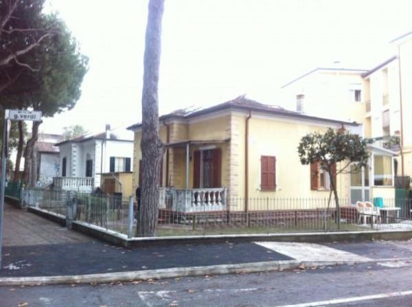 Villa in vendita a Cesenatico, 4 locali, Trattative riservate | Cambio Casa.it
