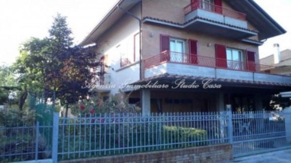 Soluzione Indipendente in vendita a Gradara, 6 locali, prezzo € 440.000 | CambioCasa.it
