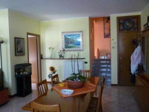 Villa a Schiera in vendita a Massalengo, 5 locali, prezzo € 160.000 | Cambio Casa.it