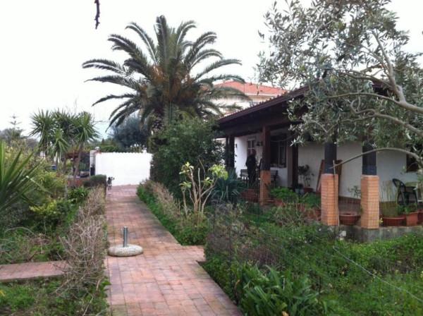 Villa in Vendita a Carini Centro: 5 locali, 140 mq