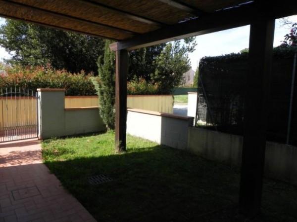 Bilocale Lucca San Cassiano A Vico Via Delle Ville 1