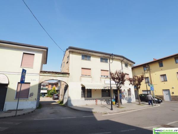 Rustico / Casale in vendita a Rovello Porro, 9999 locali, prezzo € 150.000 | CambioCasa.it