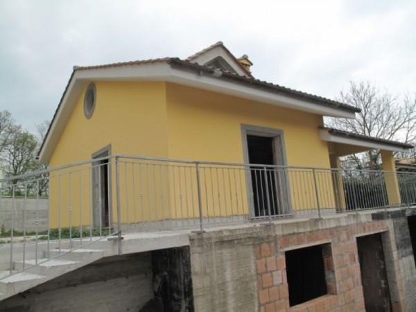 Villa in vendita a Sacrofano, 6 locali, prezzo € 390.000 | Cambio Casa.it