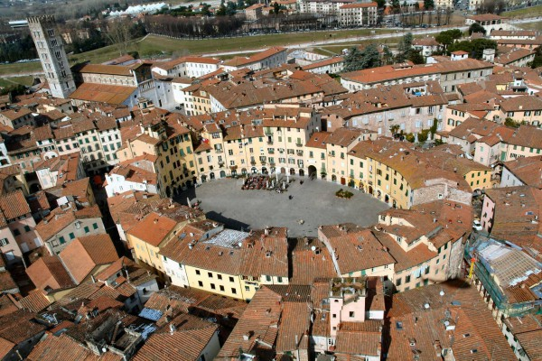 Bilocale Lucca Via Borgo Giannotti 11