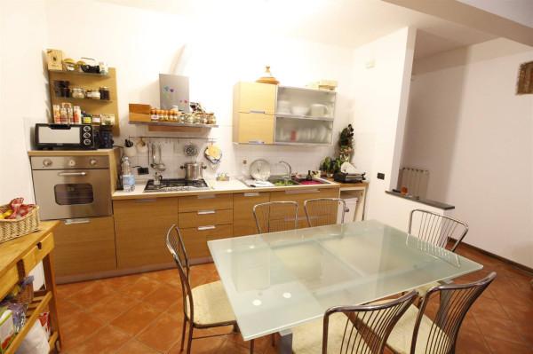Bilocale Lucca Via Del Montescendi 2