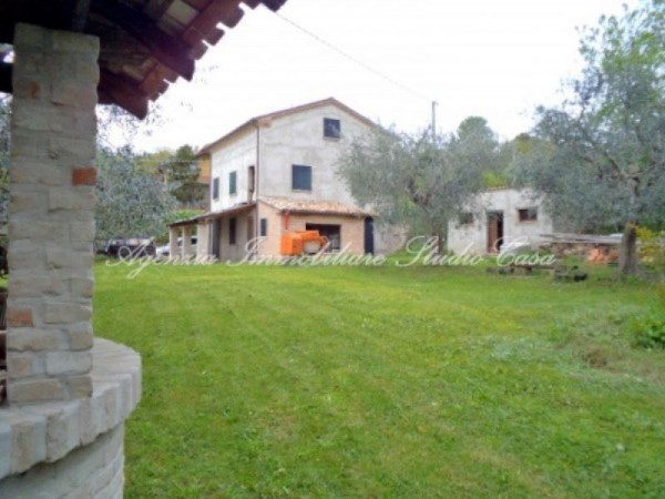 Rustico / Casale in vendita a Gradara, 6 locali, prezzo € 590.000 | Cambio Casa.it