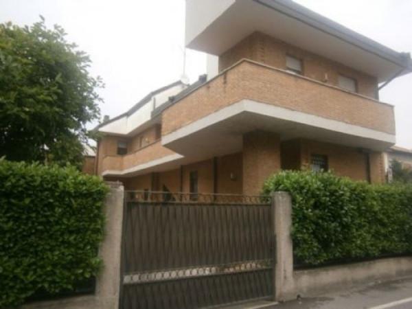 Villa in vendita a Seregno, 5 locali, prezzo € 599.000 | Cambiocasa.it