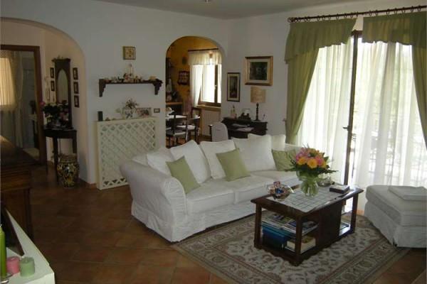 Villa in vendita a Minturno, 6 locali, prezzo € 280.000 | CambioCasa.it