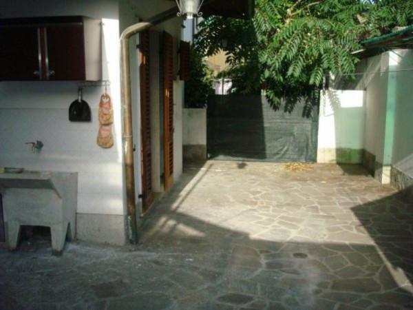 Bilocale Lucca Via Della Stazione Seconda 1