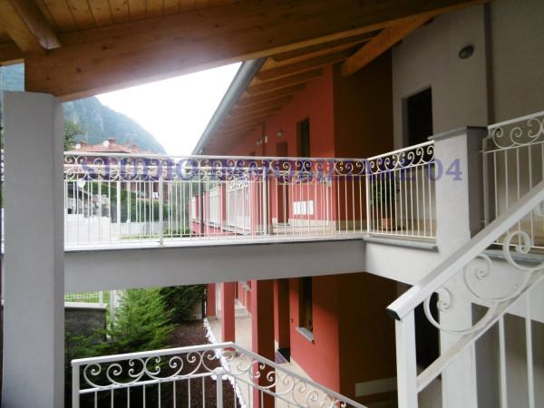 Appartamento in vendita a Oliveto Lario, 3 locali, prezzo € 162.000 | Cambio Casa.it