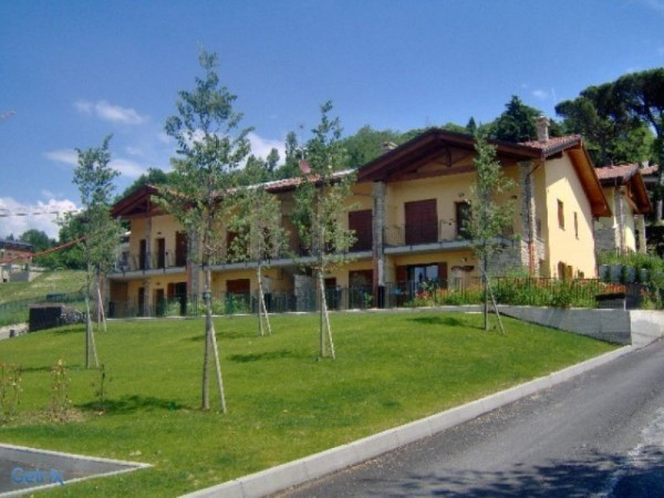 Appartamento in vendita a Robbiate, 3 locali, prezzo € 270.000 | Cambio Casa.it
