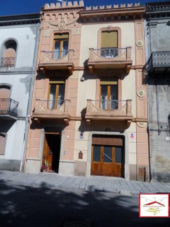 Palazzo / Stabile in vendita a Trecchina, 6 locali, prezzo € 270.000 | Cambio Casa.it