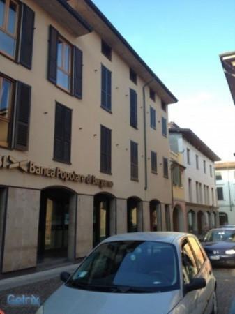 Bilocale Caravaggio Piazza Garibaldi 1