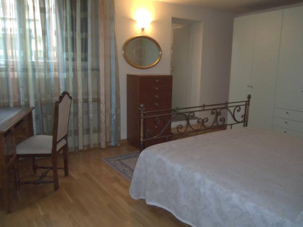 Bilocale Lucca Via Guinigi 10