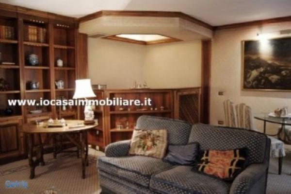 Bilocale Milano Via Della Spiga 1