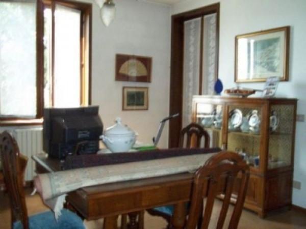 Bilocale Fontevivo Via F. Santi 2