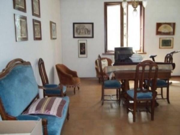 Bilocale Fontevivo Via F. Santi 4