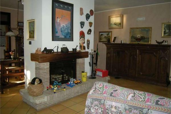 Villa in vendita a Formia, 6 locali, prezzo € 580.000 | Cambio Casa.it