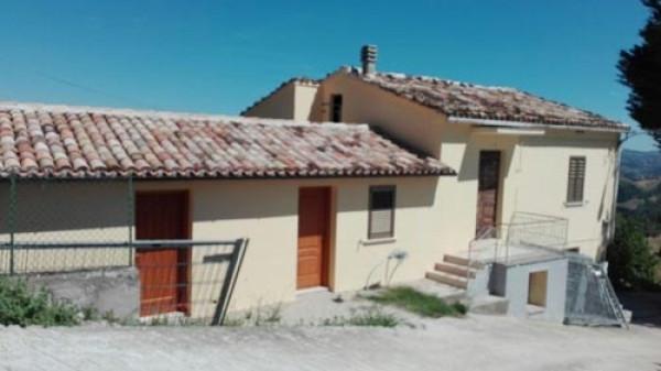 Rustico / Casale in vendita a Colledara, 6 locali, prezzo € 53.000 | Cambio Casa.it