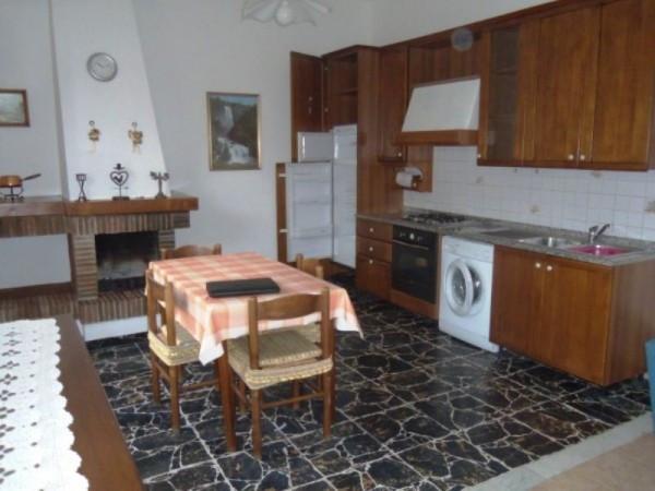 Bilocale Capannori Via Villa Fontana 1