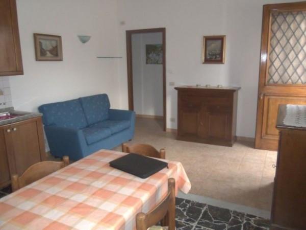 Bilocale Capannori Via Villa Fontana 3