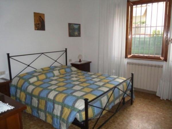 Bilocale Capannori Via Villa Fontana 4