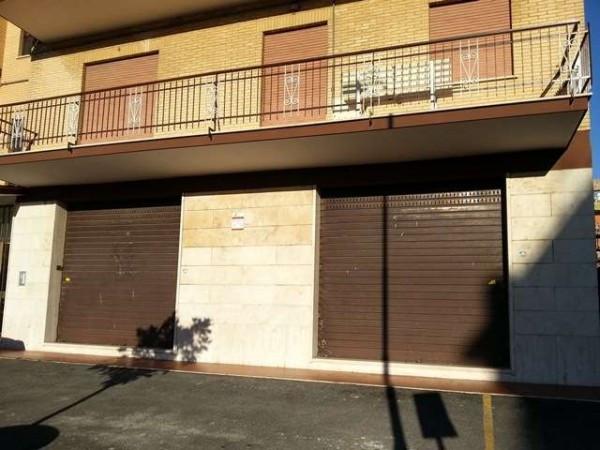 Negozio / Locale in affitto a Marino, 9999 locali, prezzo € 800 | Cambio Casa.it