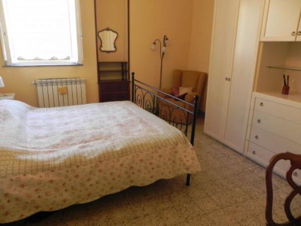Bilocale Lucca Via Vittorio Veneto 5