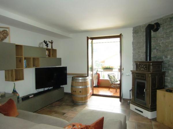 Appartamento in vendita a Valbrona, 2 locali, prezzo € 45.000 | Cambio Casa.it