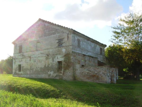 Rustico / Casale in vendita a Gradara, 6 locali, prezzo € 250.000 | Cambio Casa.it