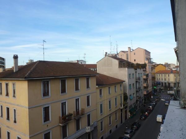 Bilocale Milano Via Nino Oxilia 8