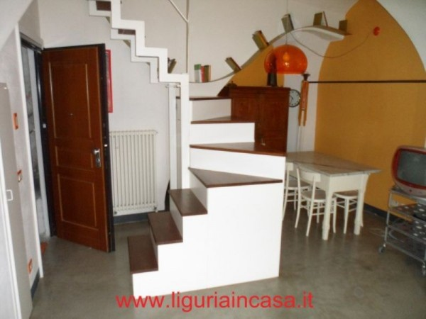 Bilocale Finale Ligure Via Nicotera 2