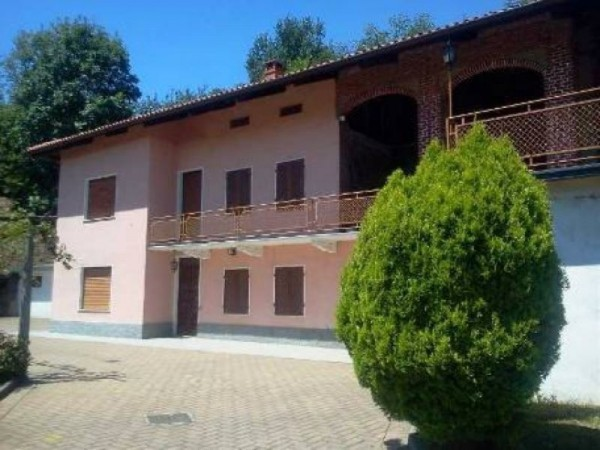 Rustico / Casale in vendita a Mercenasco, 6 locali, prezzo € 215.000 | Cambio Casa.it