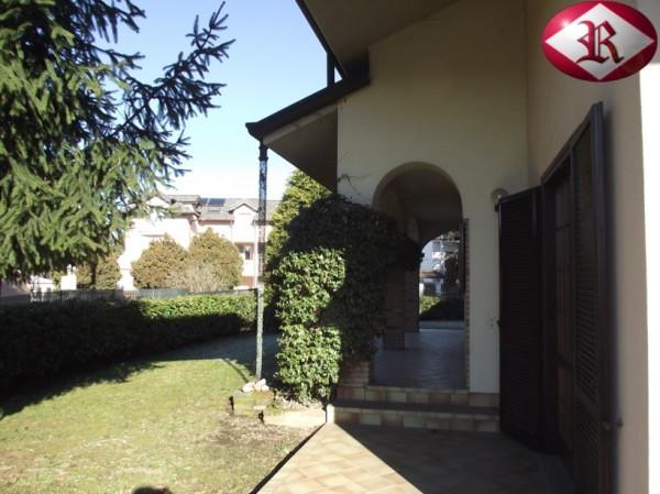 Villa in affitto a Carnago, 6 locali, prezzo € 1.500 | CambioCasa.it