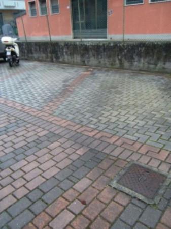 Bilocale Lucca Via Romana 9