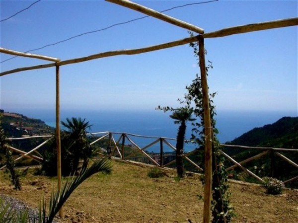 Rustico / Casale in vendita a Ventimiglia, 5 locali, prezzo € 385.000 | Cambio Casa.it