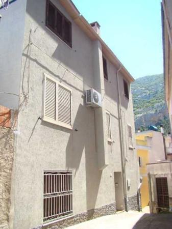Soluzione Indipendente in vendita a Dorgali, 6 locali, prezzo € 150.000 | Cambio Casa.it